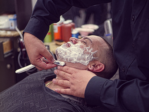 jeff-gentlemans-barbershop-shaving